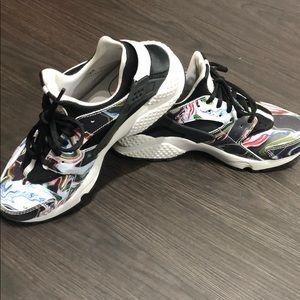 Nike Huarache's